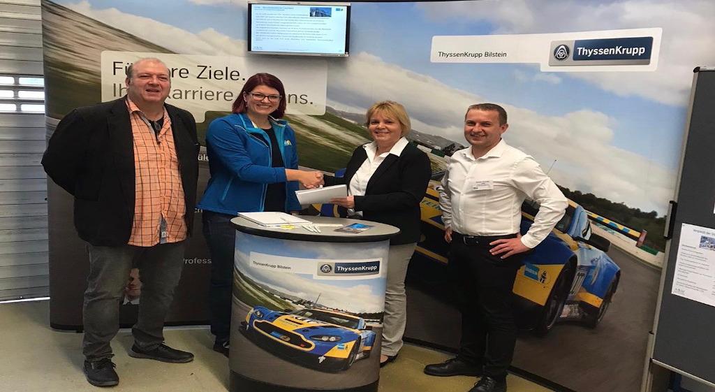 Kooperation zwischen der Eichenlaubschule Weiskirchen und thyssenkrupp Bilstein