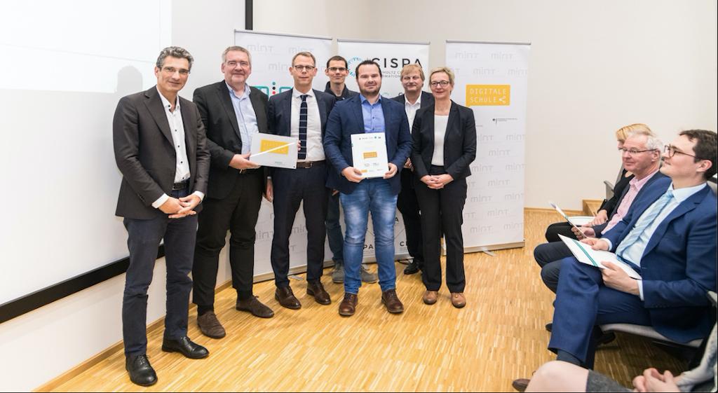 """Eichenlaubschule als """"Digitale Schule"""" ausgezeichnet"""
