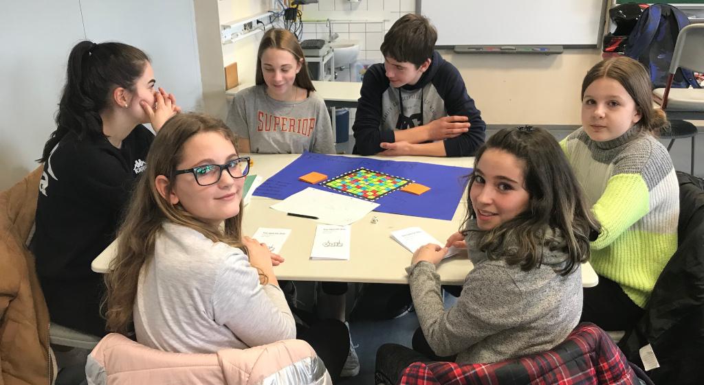 """Kein """"Brett vorm Kopf"""" – Schülerpaten entwickeln Brettspiele"""